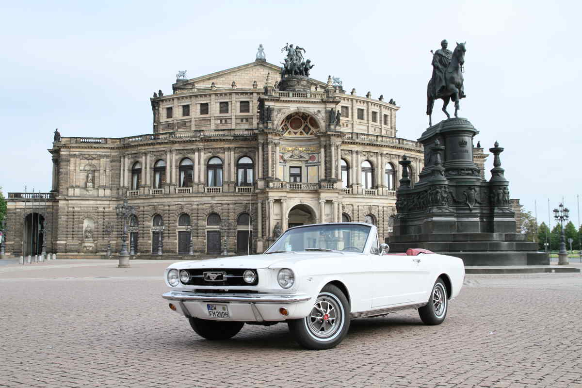 oldtimer ford mustang mieten dresden an selbstfahrer ab dresden. Black Bedroom Furniture Sets. Home Design Ideas