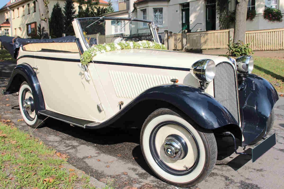 oldtimer bmw mieten im schicken cabrio zur hochzeit in. Black Bedroom Furniture Sets. Home Design Ideas