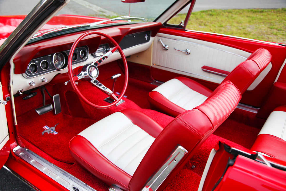 oldtimer ford mustang cabrio in dresden mieten. Black Bedroom Furniture Sets. Home Design Ideas