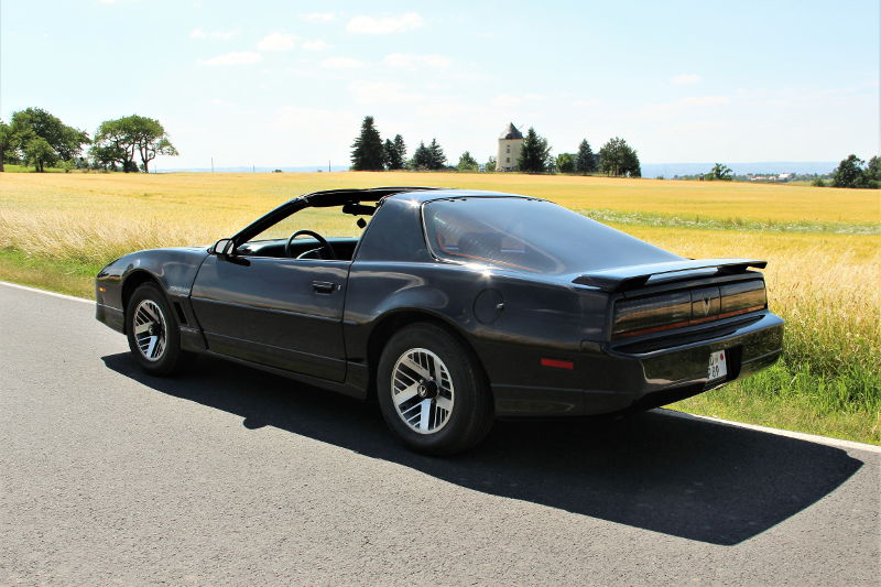 pontiac firebird trans am alias kitt mieten dresden. Black Bedroom Furniture Sets. Home Design Ideas